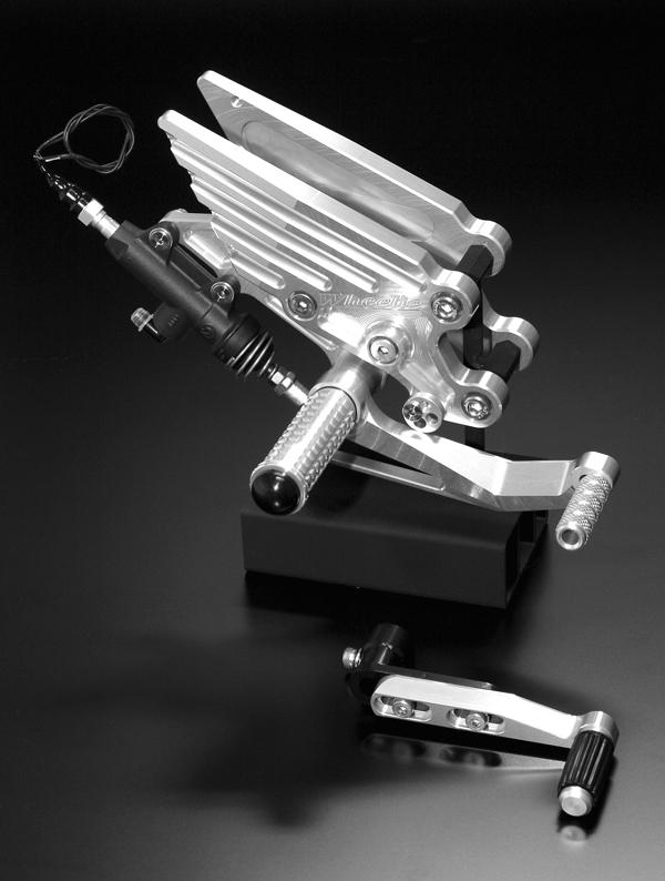 ZZR1400用 ステップキット (シルバーアルマイト)