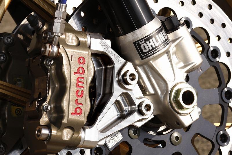 ZRX1200DAEG オーリンズ正立フォーク専用ラジアルマウントキャリパーサポート(Ф310・108mmピッチ)(Ф320・108mmピッチ) (シルバーアルマイト)
