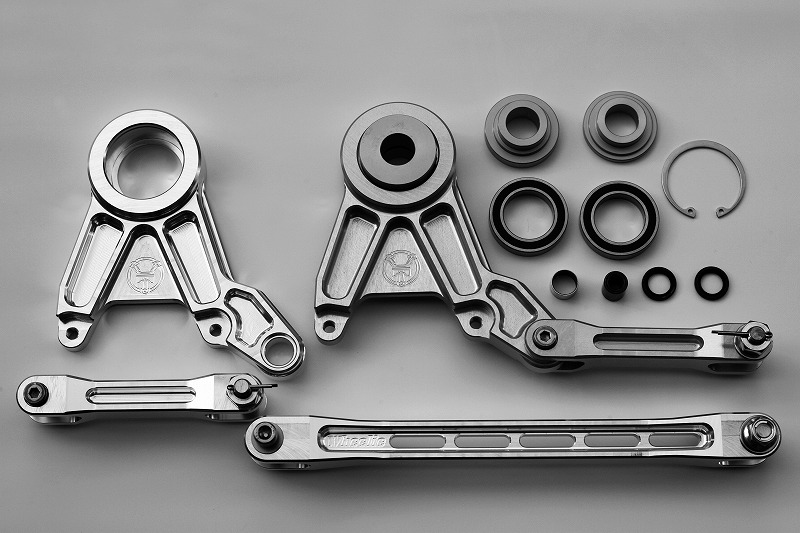 ZRX1200/ZRX1200DAEG フローティングキャリパーサポート Wheelieスイングアーム用 (バフ、シルバーアルマイト、ブラックアルマイト)
