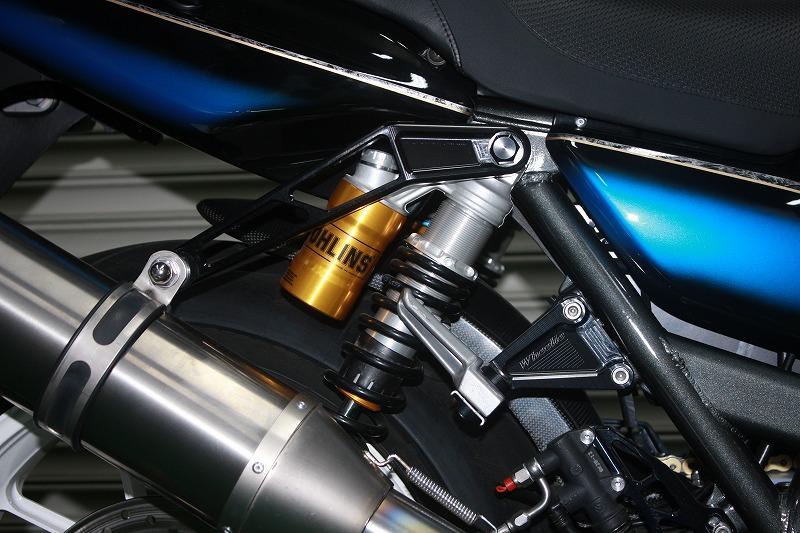 ZRX1100/1200/1200DAEG アップタイプマフラー用ビレットマフラーステー (バフ、シルバーアルマイト、ブラックアルマイト)