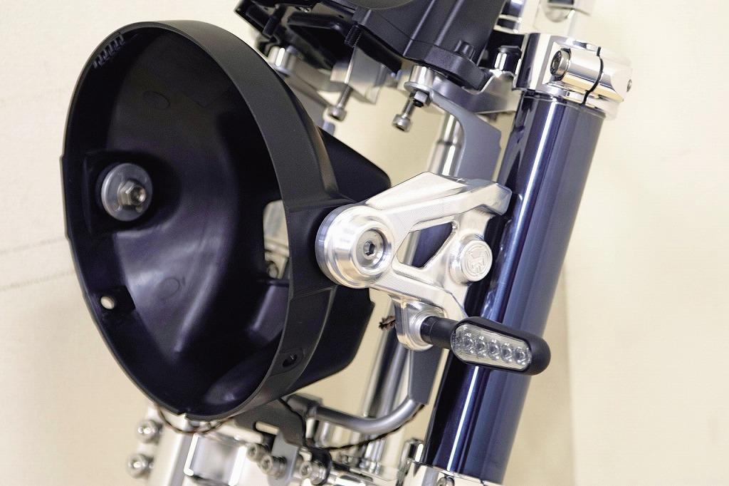 ゼファー750 ヘッドライトブラケット (バフ、シルバーアルマイト、ブラックアルマイト)