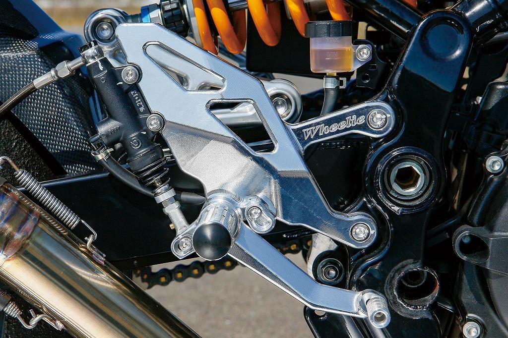 Kawasaki Z900RS/カフェ 同軸ペタル式3Dステップ(タイプR)(バフ、シルバーアルマイト、ブラックアルマイト)